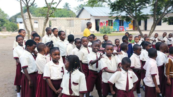 Schulen helfen Schulen